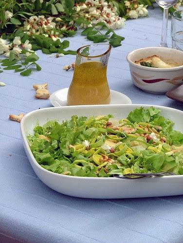 Avocado salad with pine nuts - insalata di avocado e pinoli