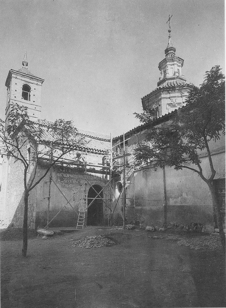 Iglesia de San Andrés durante las restauraciones de 1975