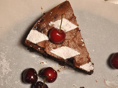 Flourless Chocolate & Cherry Cake {Moelleux aux Chocolat ...