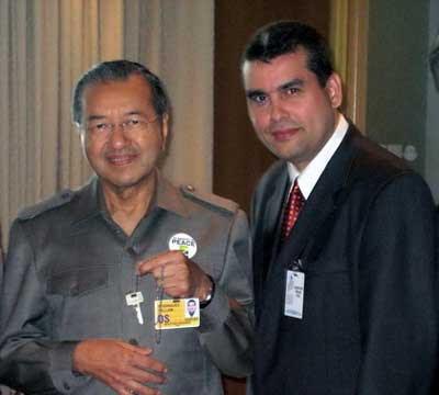 William & Malay PM JPG