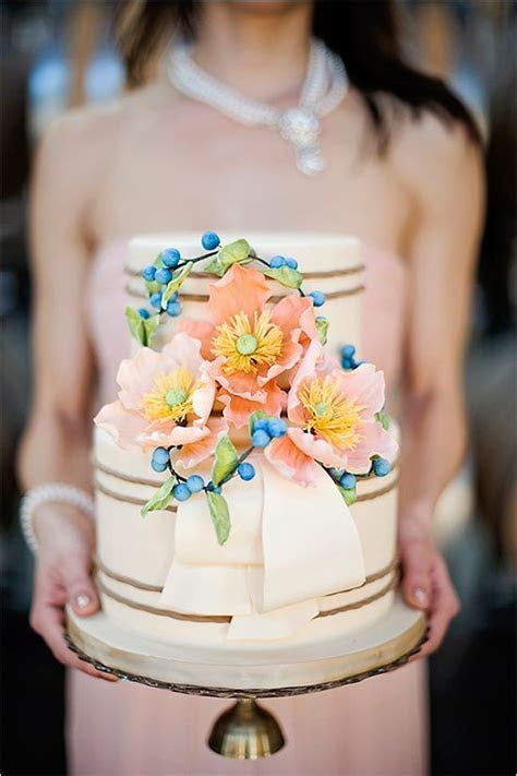 25 Whimsical Wedding Cakes to Get Inspired   Deer Pearl