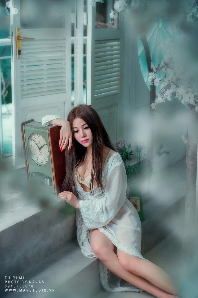 Hot girl Tú Yumi khoe ngực khủng gây kích thích 6