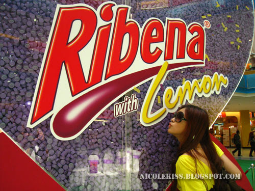 kissing ribena lemon