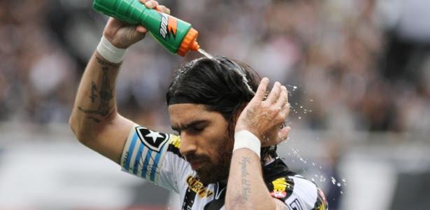 Loco Abreu saiu do Botafogo e exigiu receber R$ 1,8 milhão de multa rescisória