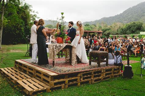 Music and Art Inspired Brazilian Wedding with a Flash Mob