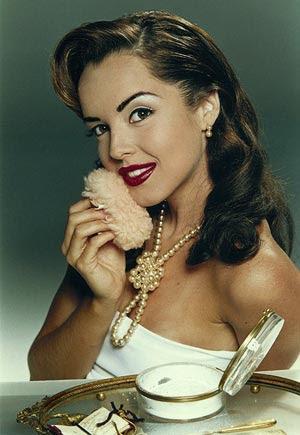 Carolina Monte Rosa caracterizada como 'mad girl'  na foto usada para participar do concurso