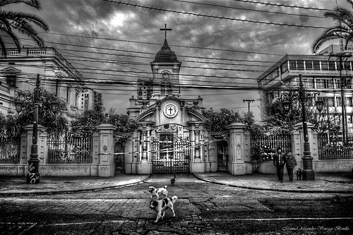 Santiago de Chile. Iglesia de Santa Lucrecia by Alejandro Bonilla