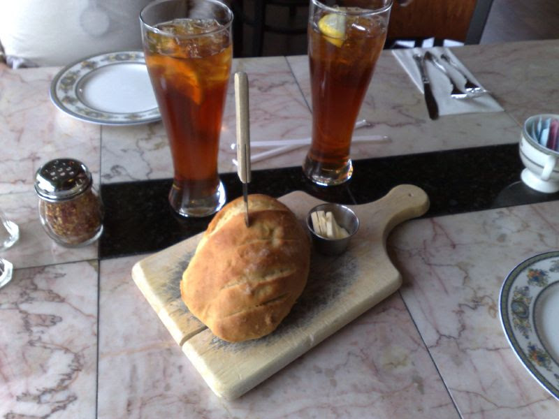 Ice tea and Bread service