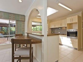 Retro, open plan kitchen designs