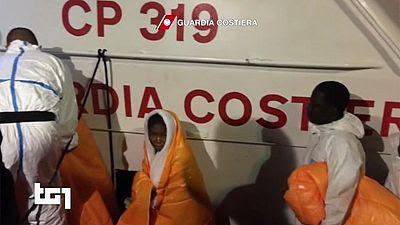 Pelo menos 240 migrantes morreram em dois naufrágios no Mar Mediterrâneo