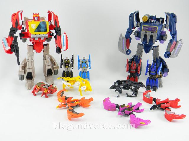 Transformers Blaster & Data Discs Fall of Cybertron - modo robot vs Soundwave & Data Discs