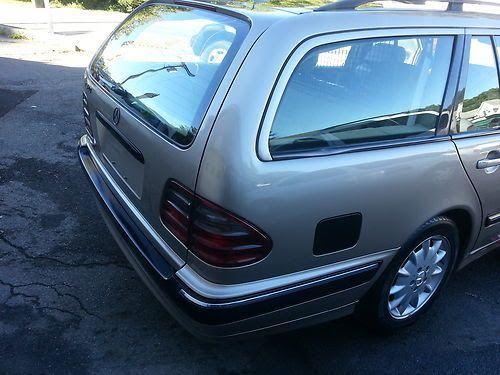Sell used 2002 Mercedes-Benz E320 Base Wagon 4-Door 3.2L ...
