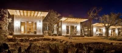 COHOUSING. En Estados Unidos, en las afueras de Austin, Texas, cuatro parejas amigas durante 20 años construyeron sus casas frente a río del Llano.
