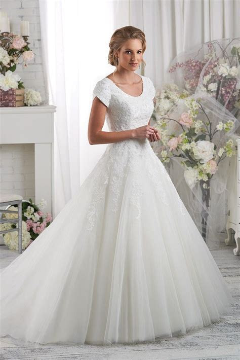 Best 20  Modest Wedding Dresses ideas on Pinterest