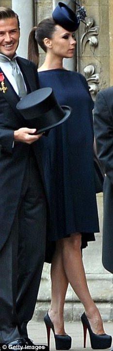 Olhando heely boa: Victoria Beckham, encarnado fã calcanhar, pode ter encurtado músculos da panturrilha, de acordo com a nova pesquisa
