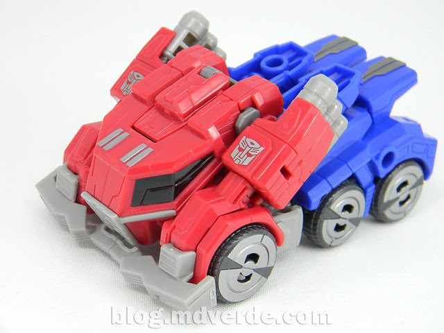 Transformers Optimus Prime Deluxe - Generations FoC - modo alterno