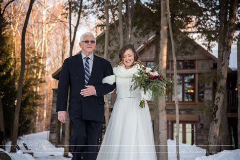 Serenity Cottage Wedding in the Winter in Owen Sound