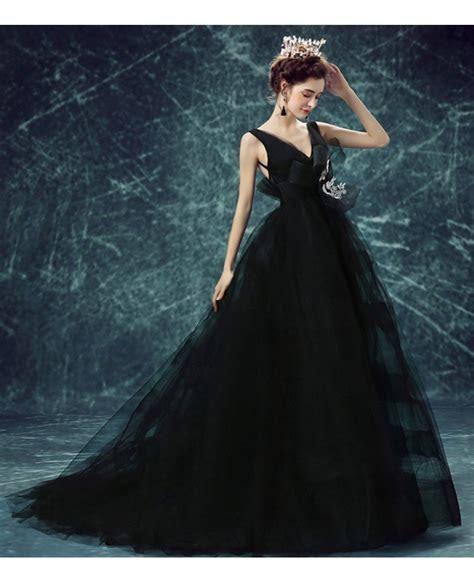 Black Ball gown V neck Court Train Tulle Wedding Dress