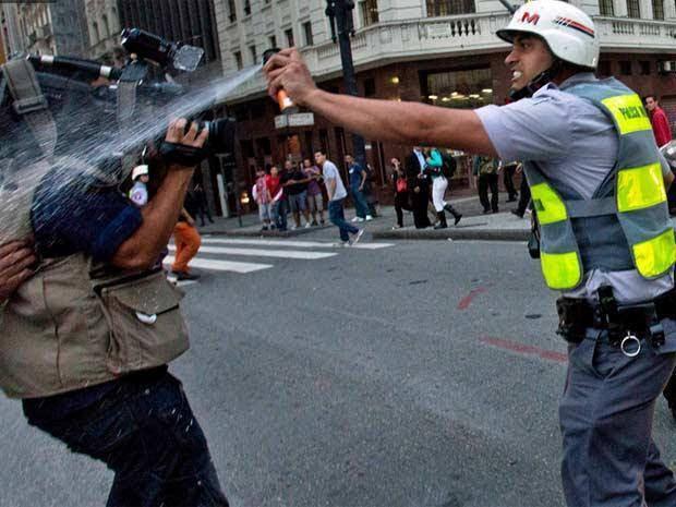 Os vídeos da manifestação de São Paulo que a mídia não mostra