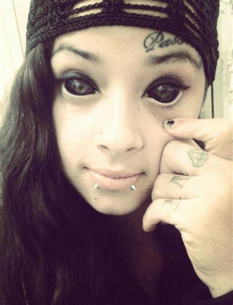 ideias cruzadas eyeball tattoo