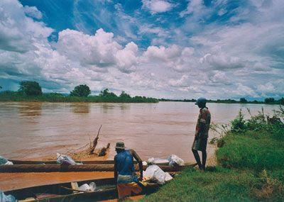 Madagascar - Sosta per il pranzo lungo il Belo-sur-Tsibirinha