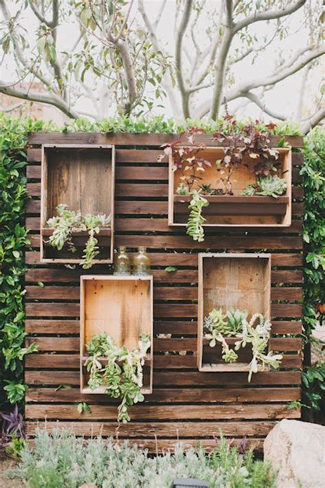 35 Eco chic Ways To Use Rustic Wood Pallets In Your
