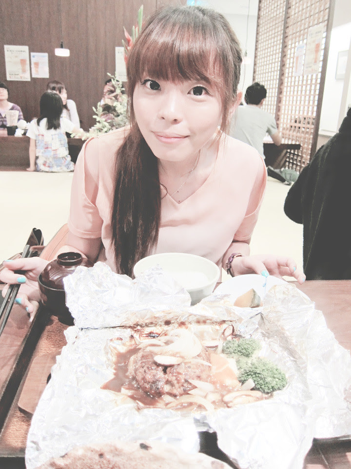 ting having japanese food