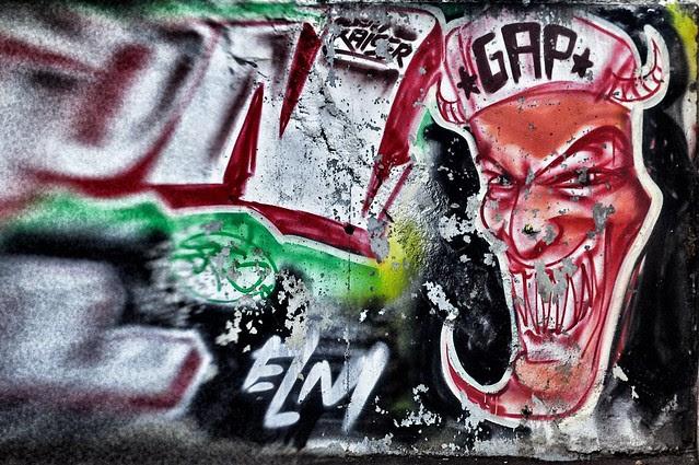 Evry Daily Photo - Street Art - Le diable des Pyramides