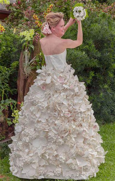 Toilet Paper Wedding Dress is Amazing
