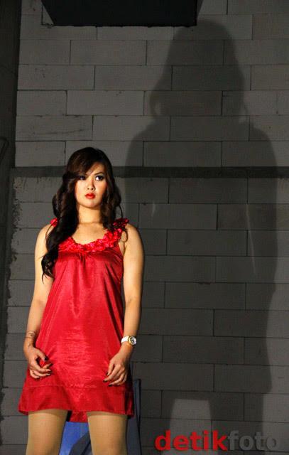 Kumpulan Photo Jennifer Aiko si Pesulap Cantik