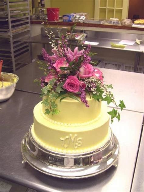 2 Layer Flowers Wedding Cake in yellow