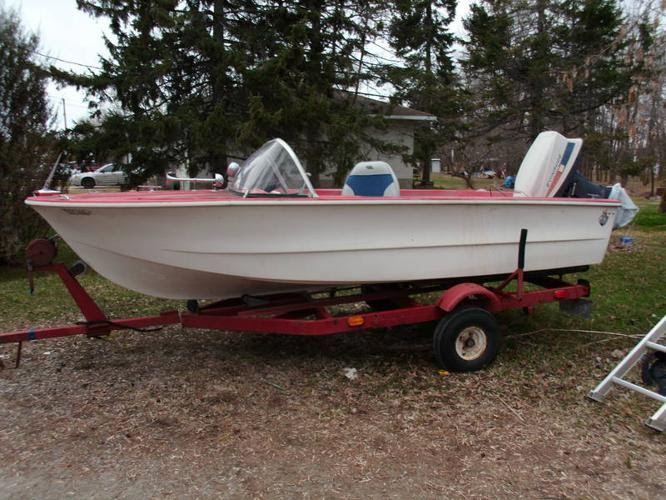 14 foot boat and trailer! for sale in Orillia, Ontario - Used boats