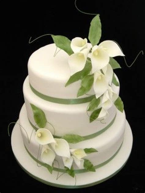 129 best images about Calla lily wedding cakes on Pinterest