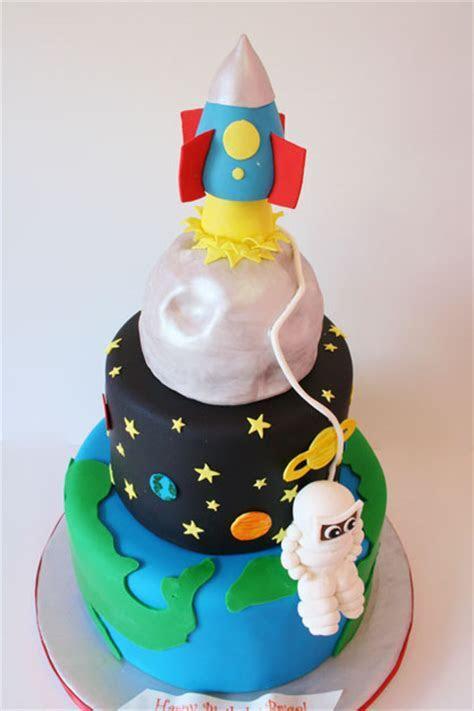 Birthday Cakes New York City   Space Custom Cakes
