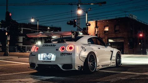 White Nissan GT R wallpapers and images   wallpapers, pictures, photos