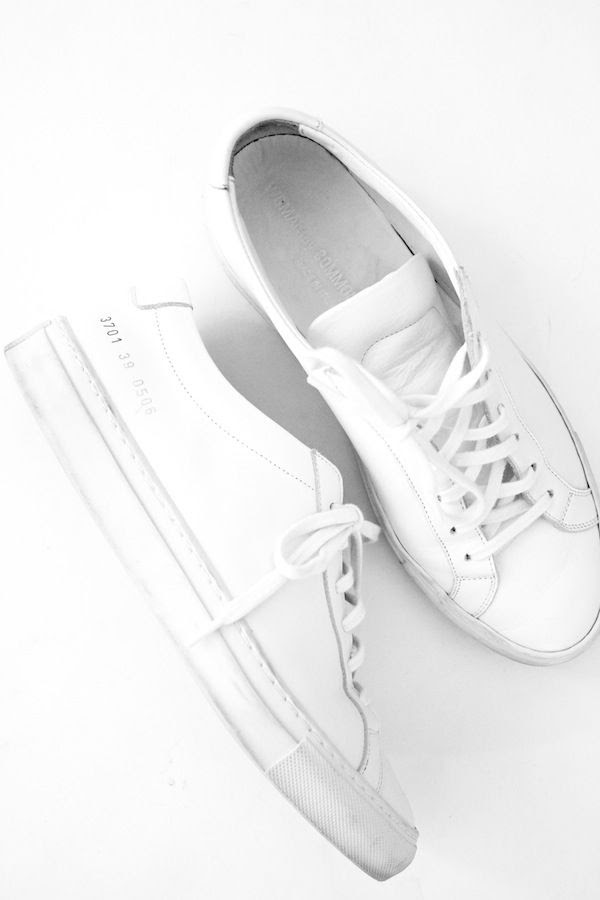 Le Fashion Blog White Common Projects Sneakers