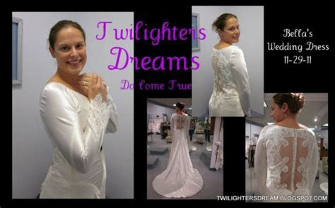 Fan Checks Out Bella's Wedding Dress   Twilight Lexicon