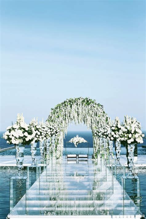 25  best ideas about Pool wedding decorations on Pinterest