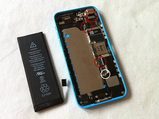 iPhone 5C disassembly stage 22