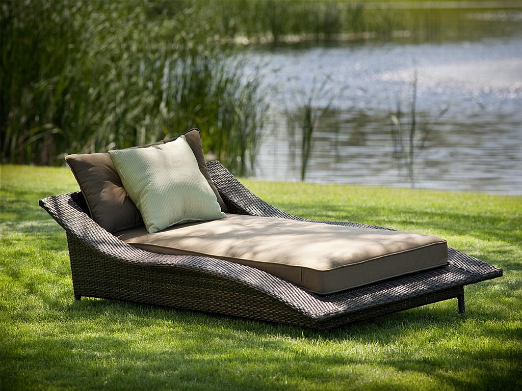 Calle All Weather Resin Wicker Chaise Lounge - 110
