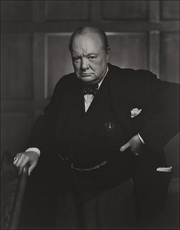 Fototecas y archivos fotográficos para investigación histórica - Una de las fotos más famosas de Winston Churchill. Sacada a traición cuando le quitaron un puro de la boca.