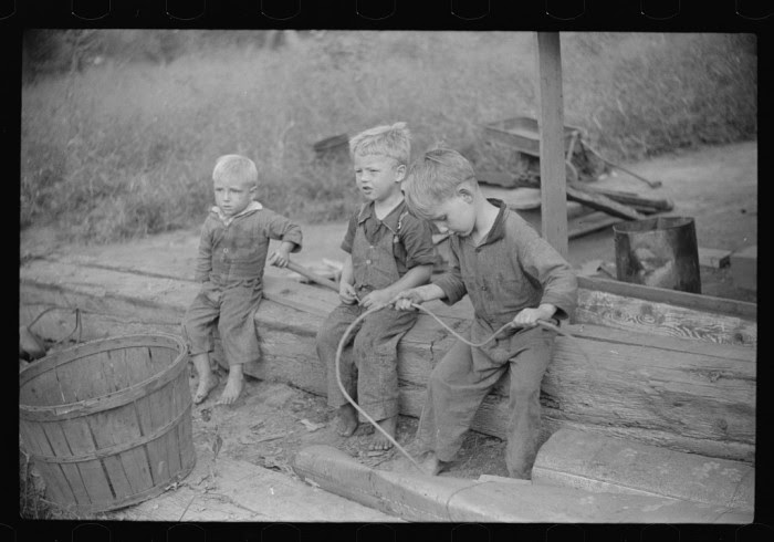 15 Rare Depression-Era Photos From West Virginia