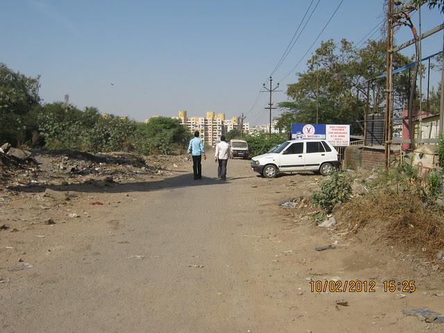 Canal road to Kumar Properties' Kumar Purab, 2 BHK & 3 BHK Flats, off Pune Solapur Road, behind Diamond Cars, Hadapsar, Pune 411 028