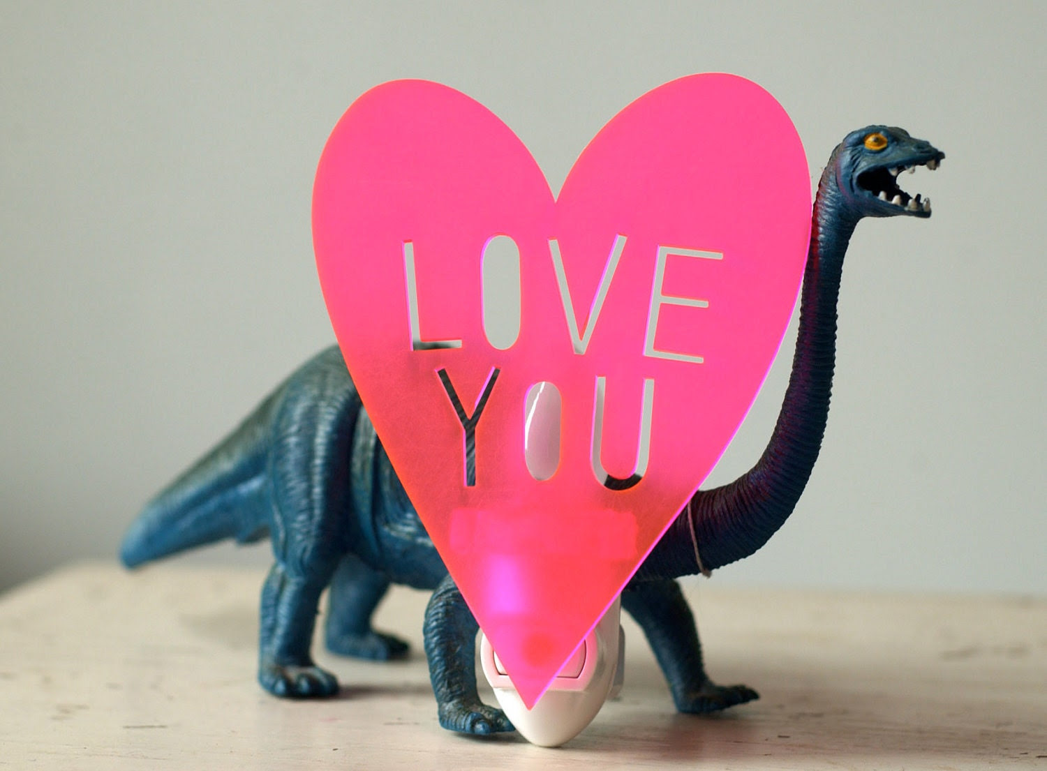 LOVE YOU night light in neon pink