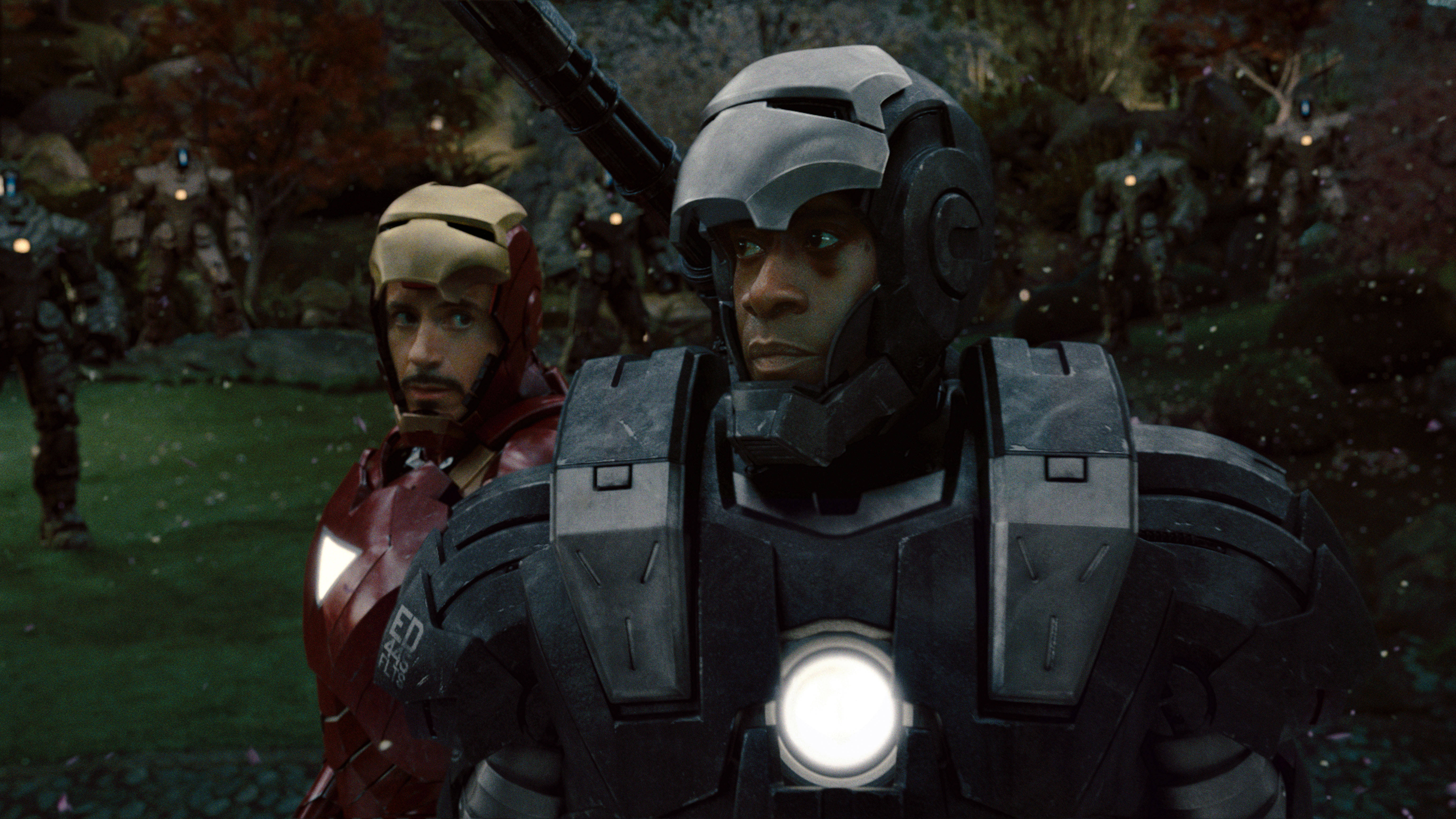 http://img3.wikia.nocookie.net/__cb20100731091448/marvelmovies/images/d/d8/War_Machine_%26_Iron_Man.jpg