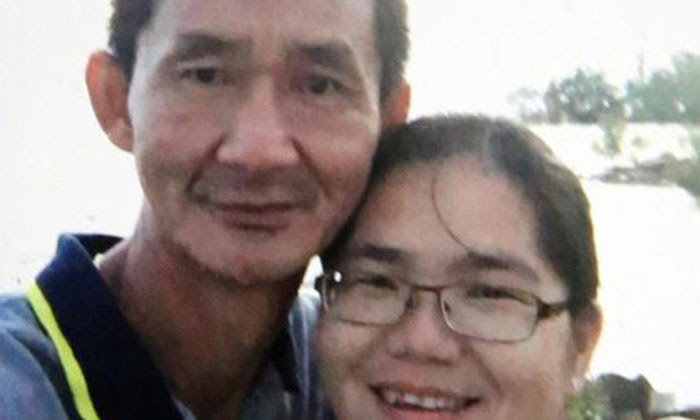 Photo: Lianhe Wanbao. The deceased. Mr Ang Boon Tong, and his wife.