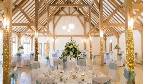 Rivervale Barn Wedding Venue Yateley, Hampshire   hitched