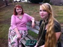 http://noticias.gospelmais.com.br/files/2012/01/bruxa-Ginger-Strivelli-e-sua-filha.jpg
