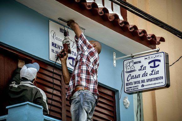 Vida cotidiana en Gibara, ciudad costera al norte de la provincia de Holguín, Cuba, el 12 de abril de 2017, que se insertará como nuevo destino turístico de la Feria Internacional de Turismo FITCuba 2017. ACN FOTO/Juan Pablo CARRERAS/ogm