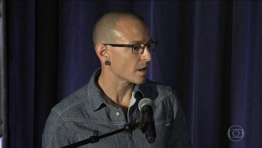 Vocalista do Linkin Park é achado morto em casa, nos EUA